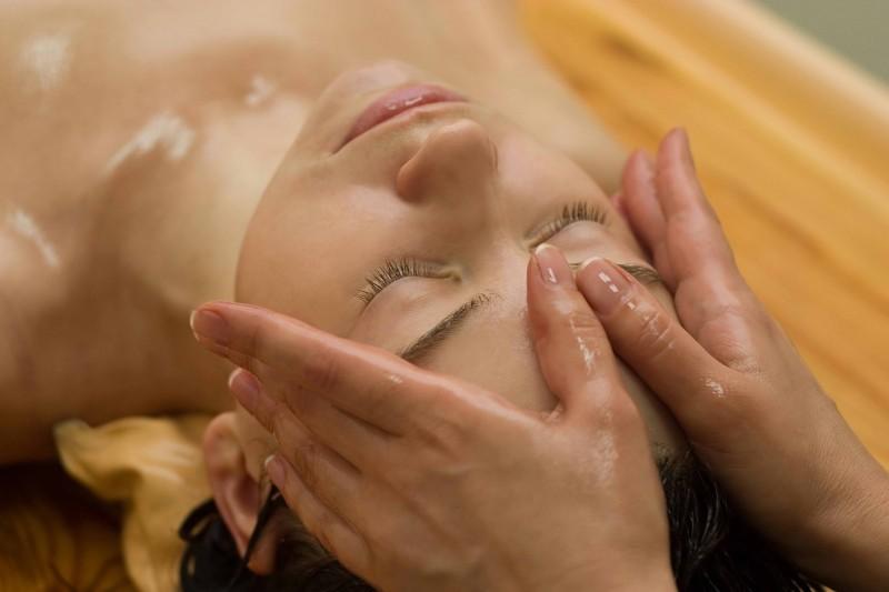 res457138_viso-massage-con-olio-x-web